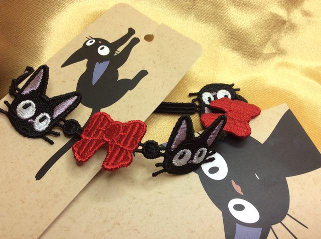 魔女の宅急便黒猫ジジのレースブレスレットのクローズアップ画像