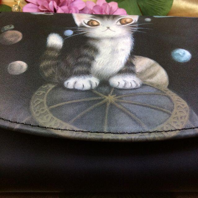 池田あきこ先生のわちふぃーるどダヤンのアート二つ折り財布天球の全体写真