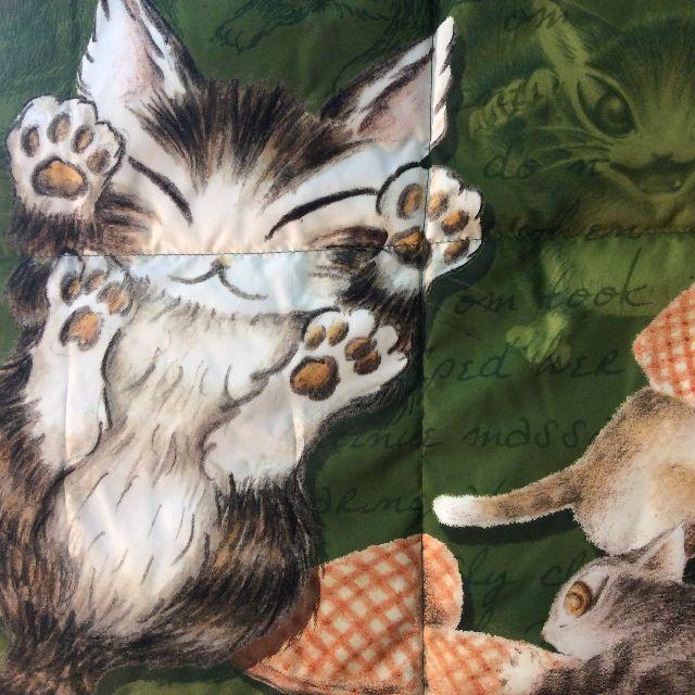池田あきこ先生のわちふぃーるどダヤンの3WAYダウンケットトムと3匹の子猫のダヤンの肉球イラスト部分のアップ画像