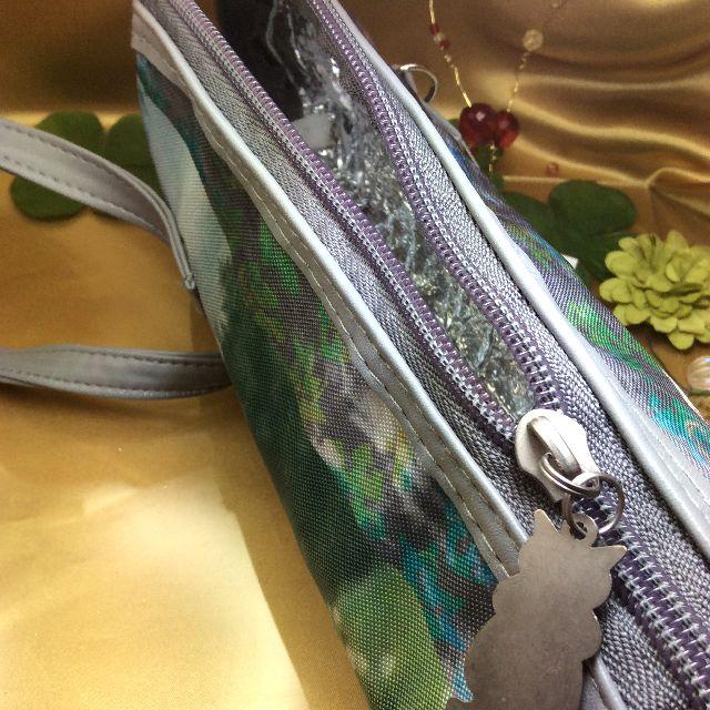 池田あきこ先生のわちふぃーるどダヤンのボトルホルダーバルトBABYのファスナーを開けた内側の画像