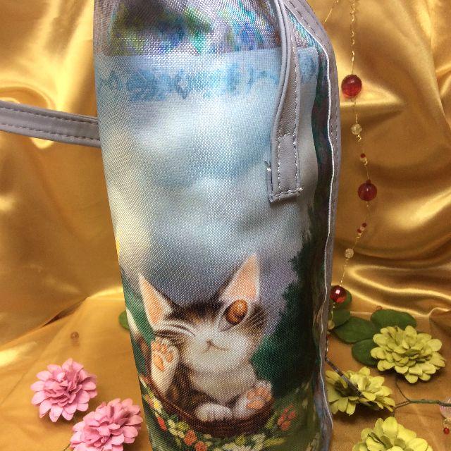 池田あきこ先生のわちふぃーるどダヤンのボトルホルダーバルトBABYを立てて置いた画像