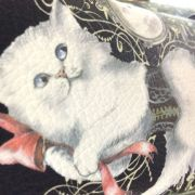 ヨーロッパ調バッグの白猫の部分の画像